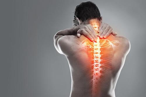 aanduiding pijn in nek schouder en bovenrug